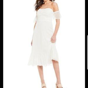 Gianni Bini Off-the-shoulder Taylor Ruffle dress